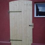 Neue Tür für den linken Stall